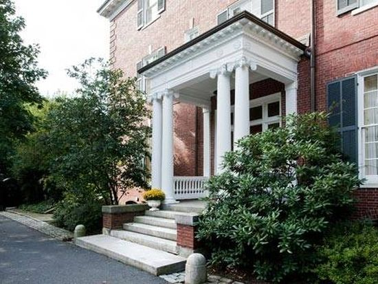 27 Colchester St, Brookline, MA 02446