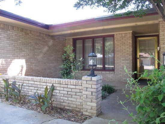 6121 Lynnhaven Dr, Lubbock, TX 79413