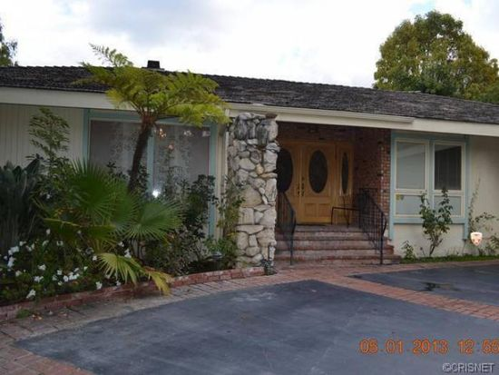 3530 Royal Woods Dr, Sherman Oaks, CA 91403