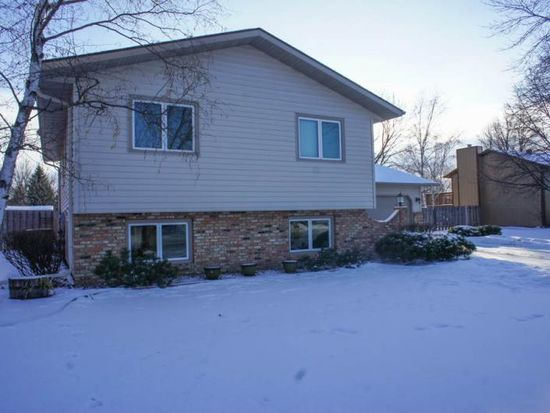 2308 24th Ave S, Fargo, ND 58103