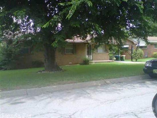 8910 Cloverhill Rd, Little Rock, AR 72205