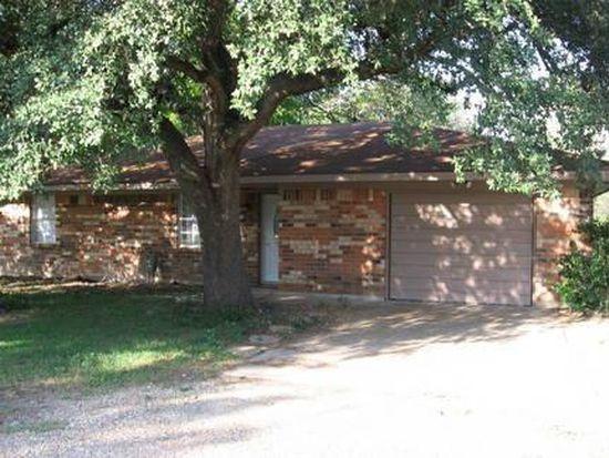 504 N 1st St, Rosebud, TX 76570