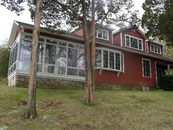 60 Rossini Rd, Westerly, RI 02891