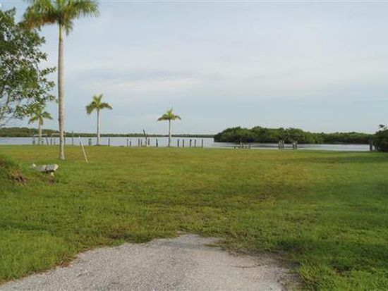 12040 Shoreview Dr, Matlacha, FL 33993