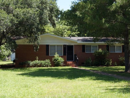 1805 Samford Ave, Albany, GA 31707