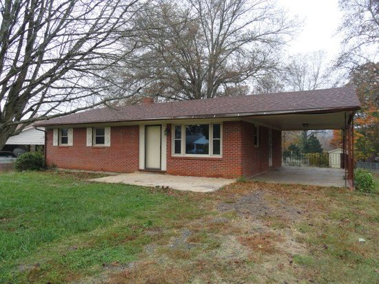 140 Meadowbrook Ln, Martinsville, VA 24112