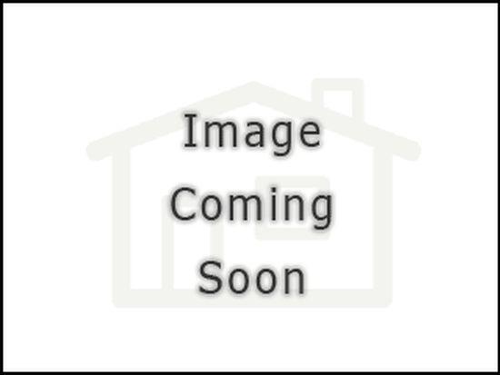15 Algonquin Ln, Stratford, CT 06614