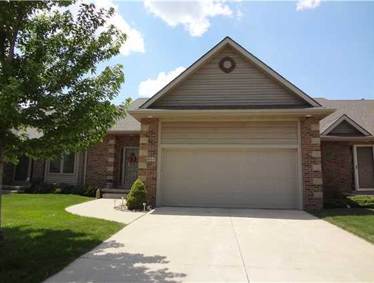 908 NW Waterfront Dr, Ankeny, IA 50023