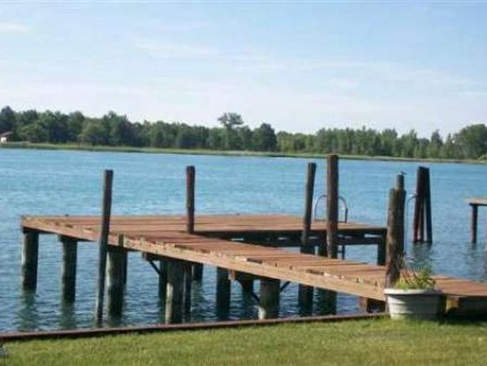 2732 S Channel Dr, Harsens Island, MI 48028