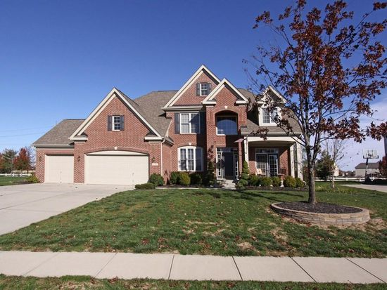 8762 Lily Ct, Zionsville, IN 46077