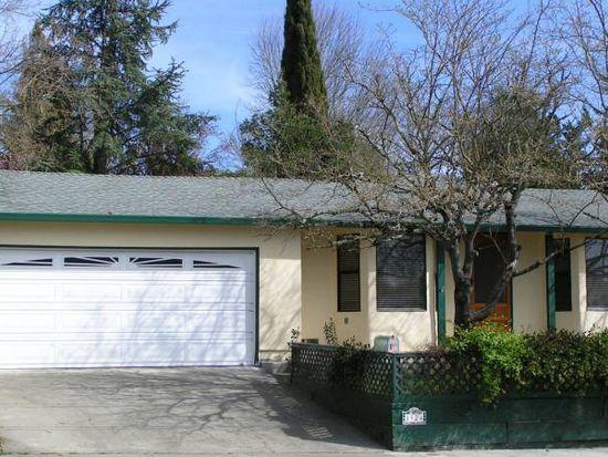 1524 Oakleaf Ave, Healdsburg, CA 95448