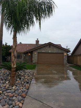 993 Robin Ct, Hanford, CA 93230