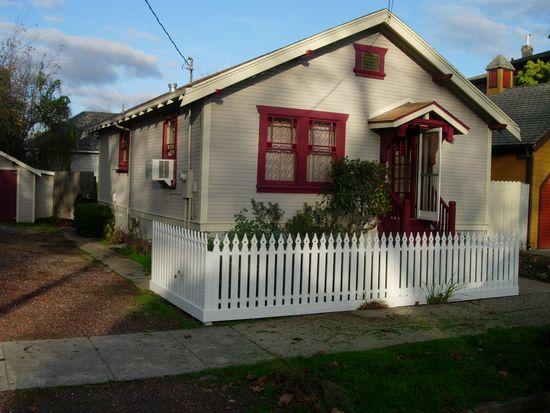 417 5th St, Petaluma, CA 94952