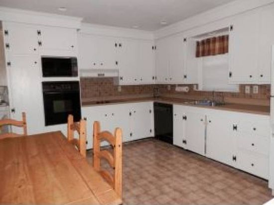 200 Normand Rd, Goffstown, NH 03045