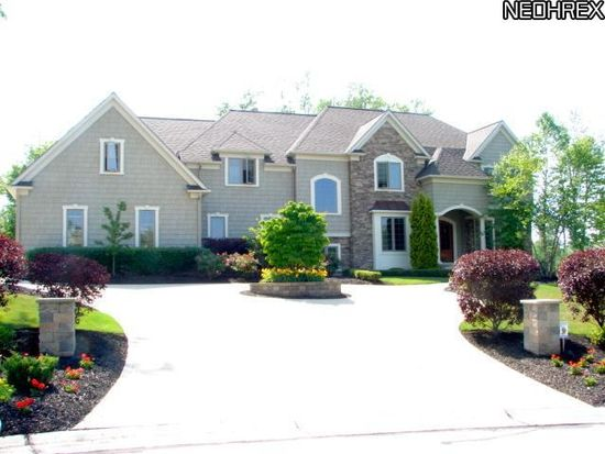 10588 Oakmont Way, Concord Twp, OH 44077
