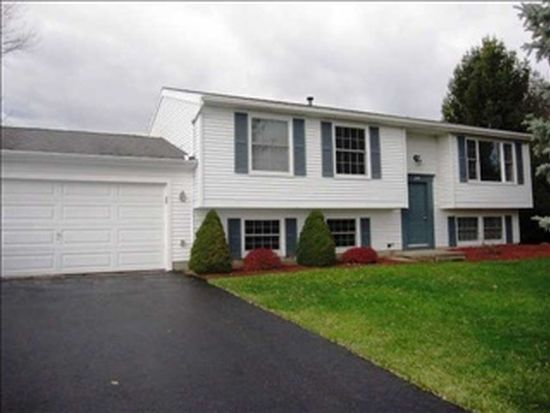 295 N Creek Xing, Rochester, NY 14612