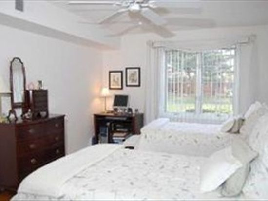 124 Day St APT 107, Bloomingdale, IL 60108