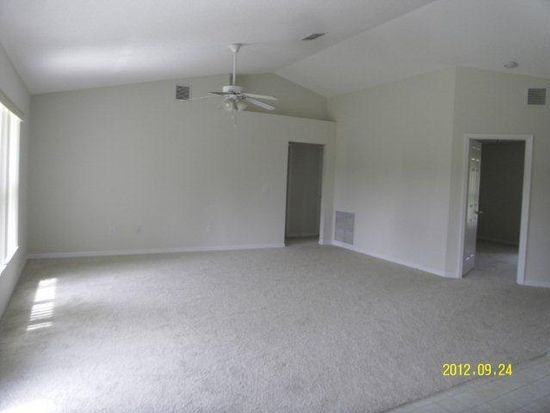 262 SW Grove Ave, Port St Lucie, FL 34983