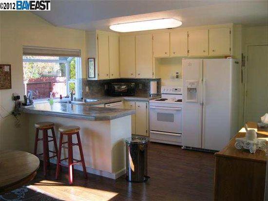 2090 Buckskin Rd, Livermore, CA 94551