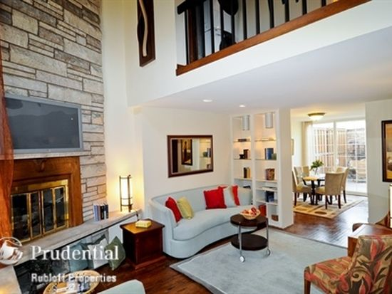 2703 N Racine Ave # A, Chicago, IL 60614
