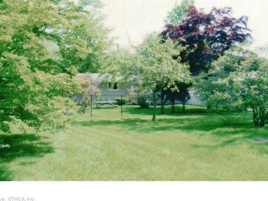 2 Cambridge Ct E, Old Saybrook, CT 06475