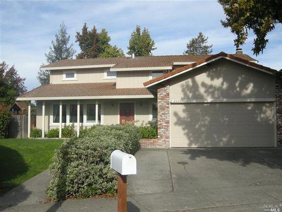 2034 Alexis Ct, Santa Rosa, CA 95405