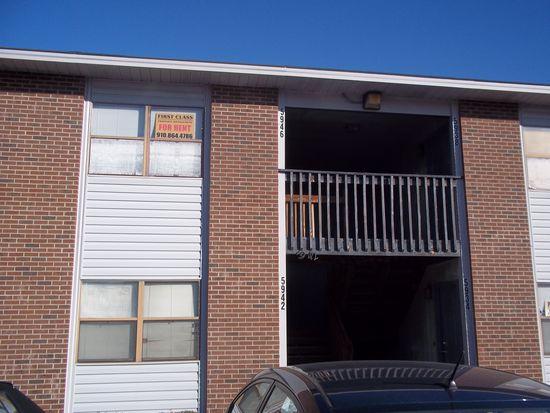 5914 Notblake St, Hope Mills, NC 28348