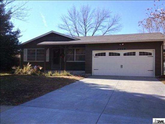 3329 SW Arrowhead Rd, Topeka, KS 66614