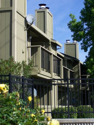 720 Sunrise Ave APT 21, Roseville, CA 95661