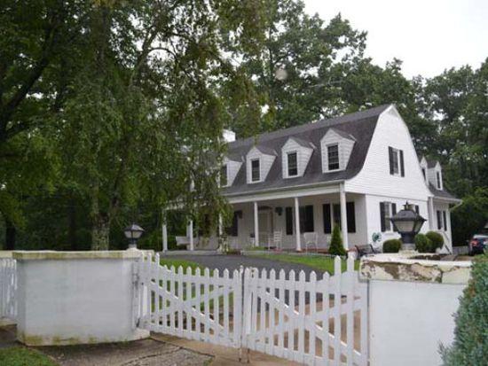 135 Hemlock Ave, Spruce Pine, NC 28777