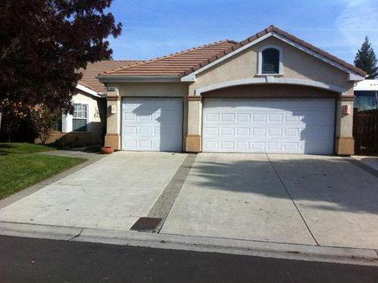 10597 E Fieldstone Ave, Clovis, CA 93619