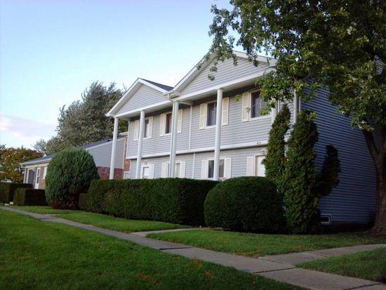 455 Salem Sq, Bolingbrook, IL 60440
