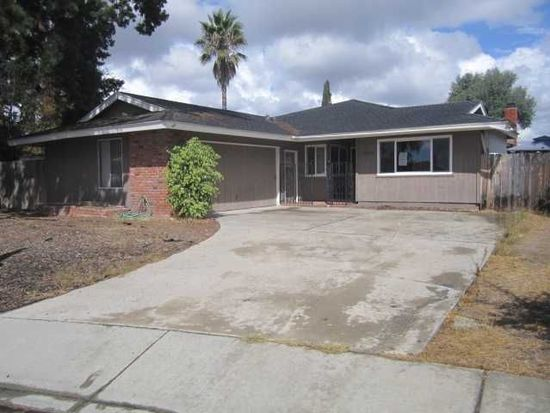 10020 Anoel Ct, Spring Valley, CA 91977