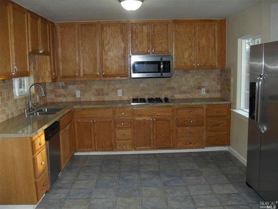 1025 Kenmore Ln, Santa Rosa, CA 95407