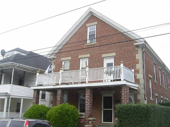 12 Russell Ave, Newport, RI 02840