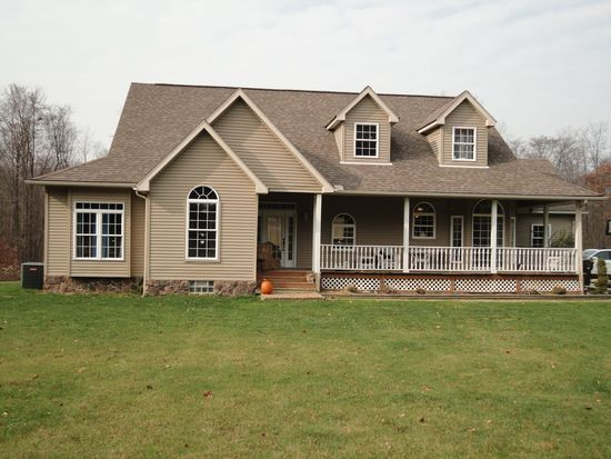 75 Sopher Rd, Grove City, PA 16127