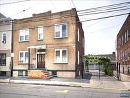 141-143 Malvern St, Newark, NJ 07105