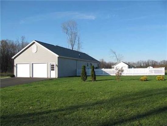 9 Fox Creek Rd, Greenville, PA 16125