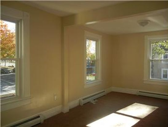 30 N White St, Poughkeepsie, NY 12601
