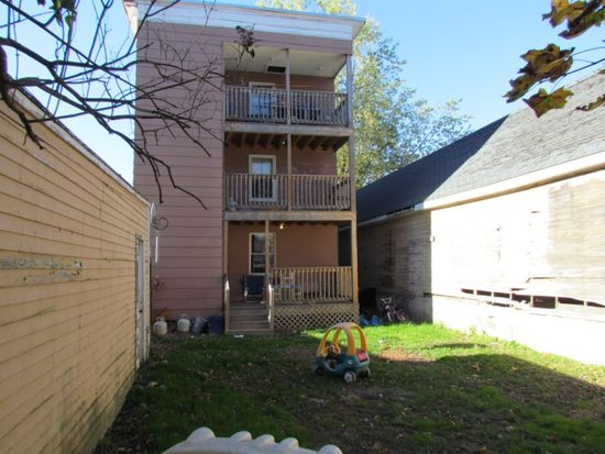 95 Wood St APT 1, Lewiston, ME 04240