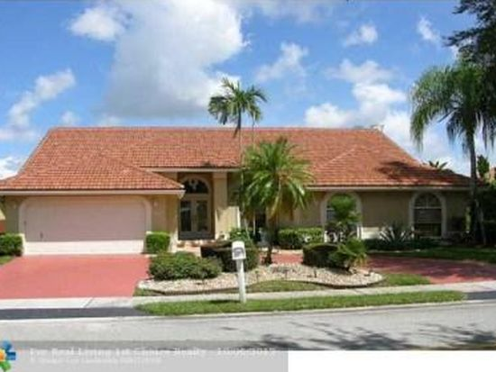 9775 NW 48th Dr, Coral Springs, FL 33076