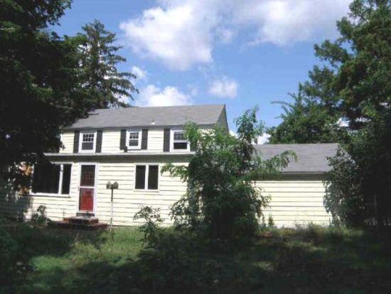 636 Maple Ave, Barrington, RI 02806