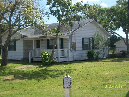 1121 N Avenue I, Freeport, TX 77541