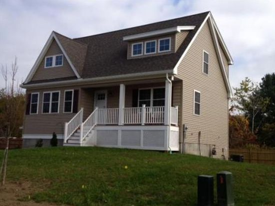 6 Saint St, Methuen, MA 01844