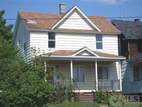 724 W Adams St, Iron River, MI 49935