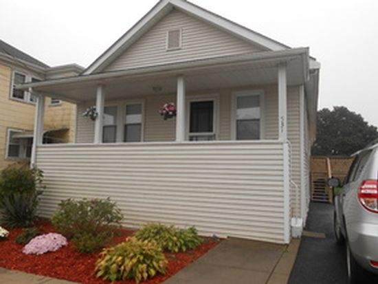 531 Anthony St, Fall River, MA 02721