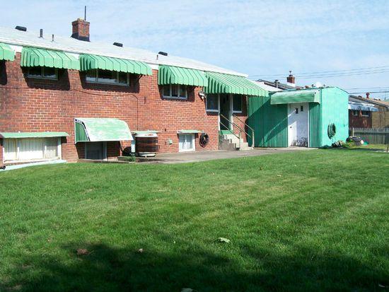 606 Camp Hollow Rd, West Mifflin, PA 15122