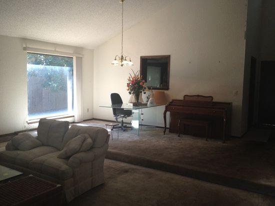10512 Blue Spruce Rd, Oklahoma City, OK 73162