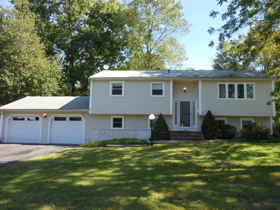 208 Nejako Dr, Middletown, CT 06457
