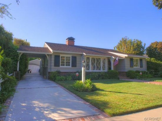 4545 Allott Ave, Sherman Oaks, CA 91423